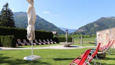 Liegewiese im Hotel Waidachhof