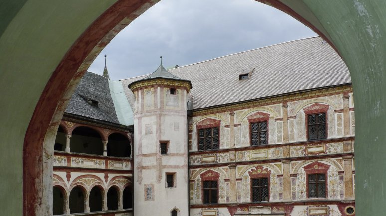 Tratzberg Castle in Stans, © Tirol Werbung/Bernhard Aichner