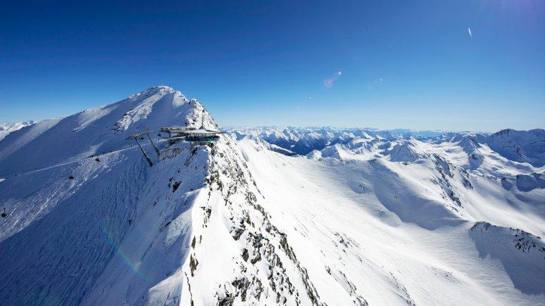 Skiing in Sölden, © Ötztal Tourismus