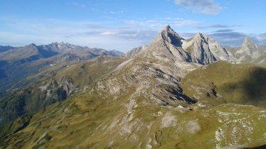 Looking towards the Leutkircher Hütte in the Lechtal Alps, © Tirol Werbung
