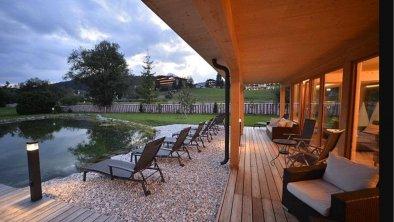 Panoramasauna Terrasse mit Biotop, © Das Hotel Eden