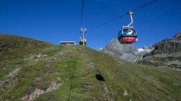 Rifflseebahn cable car on the Pitztal Glacier, © Pitztaler Gletscher