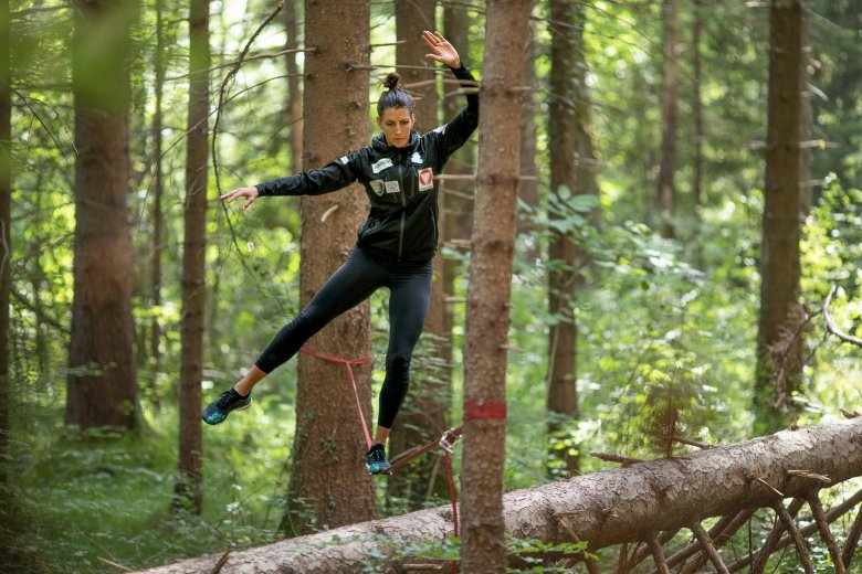 Janine likes to train her coordination, balance, and concentration with the slackline.