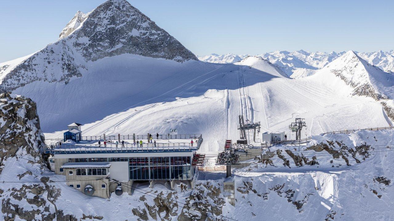 Viewing platform on the Hintertux Glacier, © Zillertal Tourismus