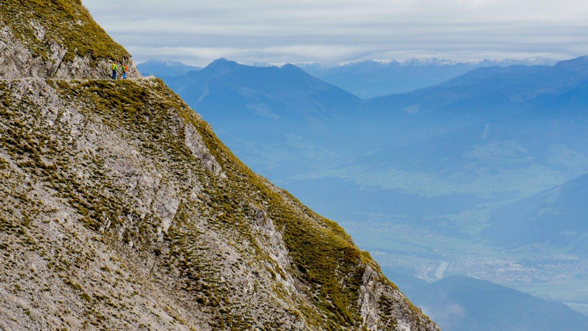 Eagle Walk: The Goetheweg trail high above the Inn Valley, © Tirol Werbung