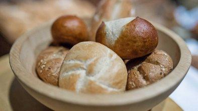 ... frisch für Sie gebacken, © Hotel Sonnenhof