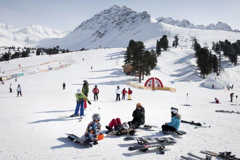 Skiing with kids at Nauders Ski Resort