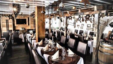 Asado's Steakhouse & Bar, © Marcel Sore