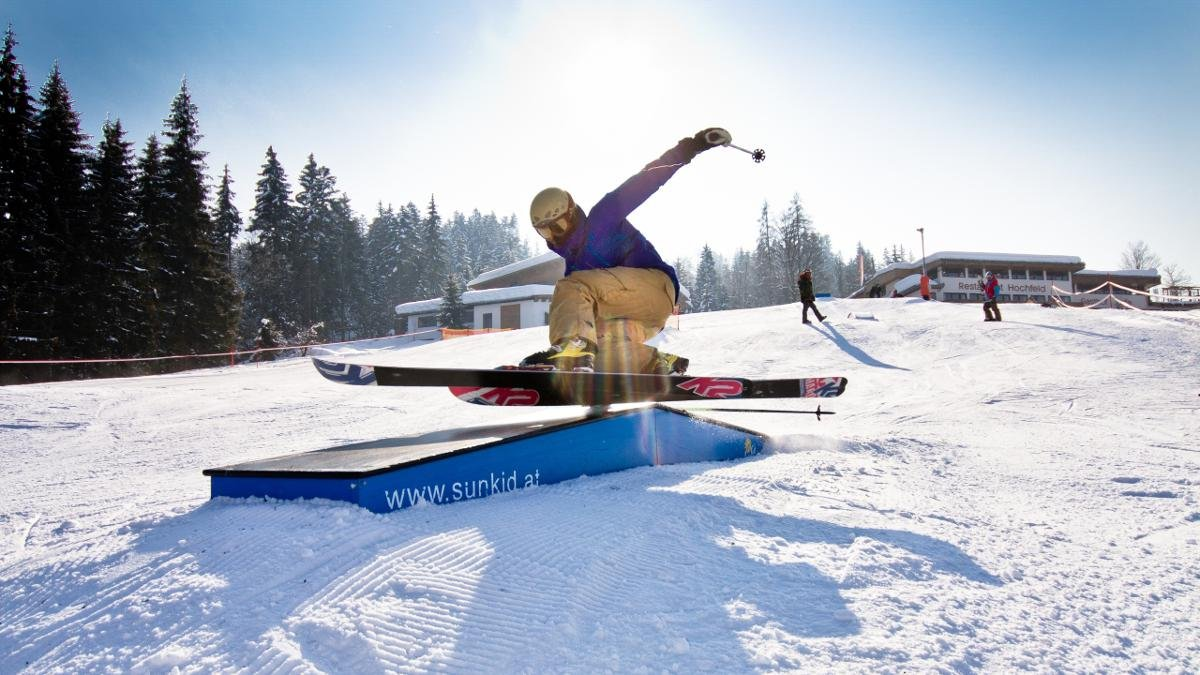 Adrenaline-seeking skiers and snowboarders can explore the many snowparks throughout Kitzbühel Alps, while families will find easy slopes for beginners and challenge descents for experts in St. Johann in Tirol, Westendorf, Waidring and Kirchberg., © Kitzbüheler Alpen- St. Johann in Tirol