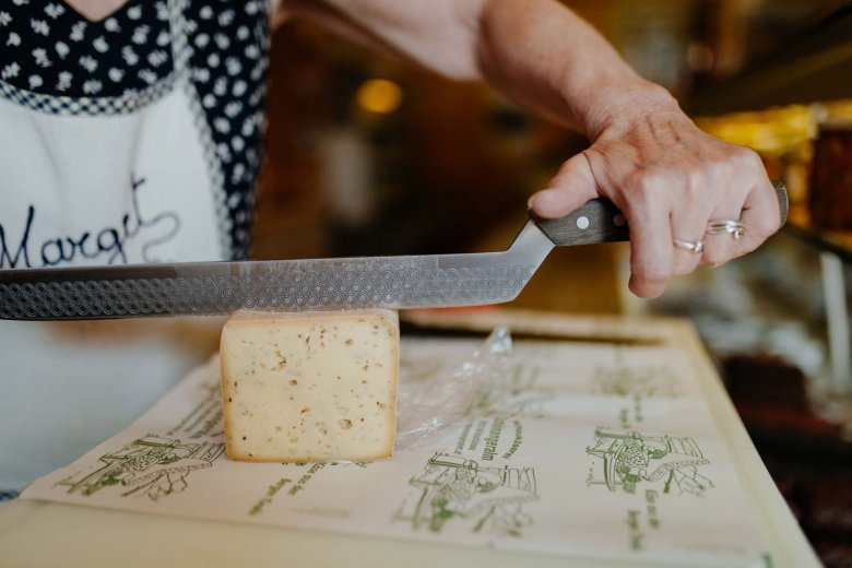The fresh Tilsiter cheese.