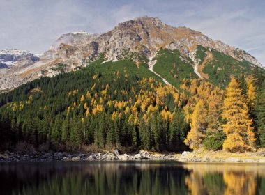Obernbergersee Lake in autumn, (c) Reinhard Hölzl