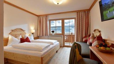 Hotel-Ritterhof-Ellmau-March-13-Familie-Ritter-Zim