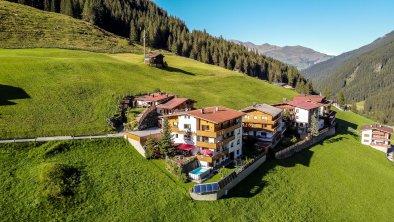 Fernerblick Apartments Hintertux Ansicht Sommer, © Fernerblick