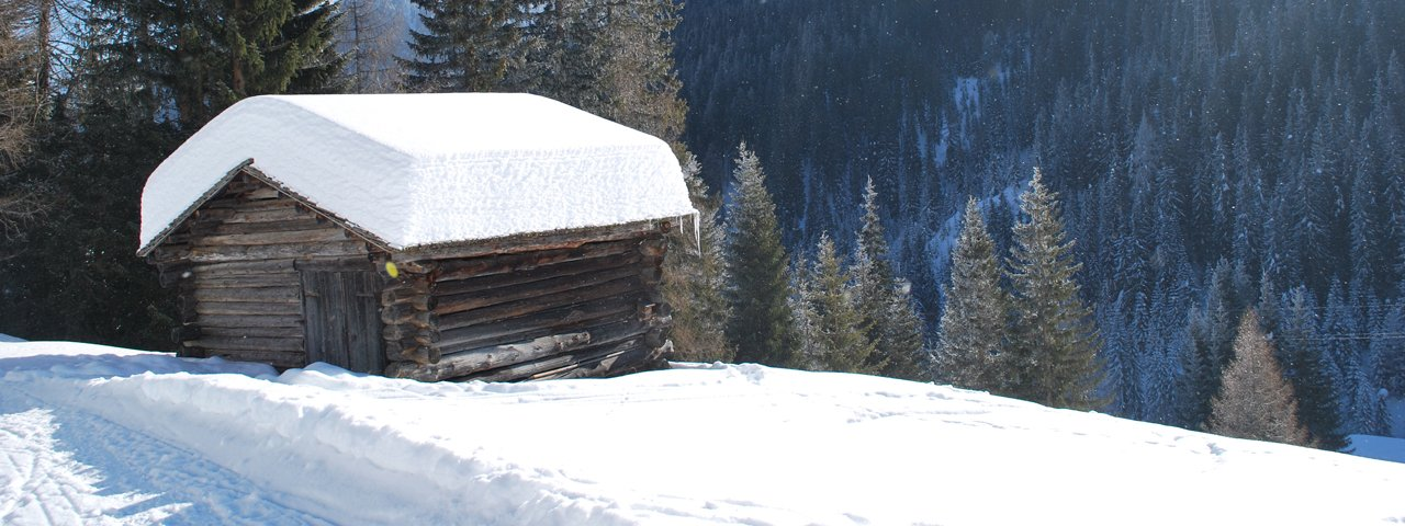 "Winter hike on the ""Innerlandweg"" trail, © Osttirol Werbung"