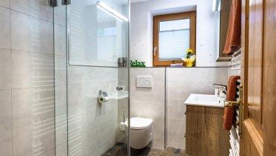 Badezimmer Dusche/WC Grinberg, © Alpen Appartements Mayrhofen