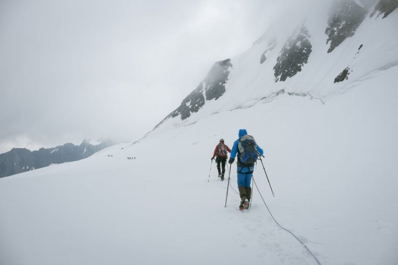 Traverse of Taschachferner Glacier.