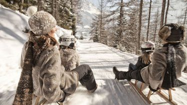 Try the home-made apple strudel or other Tirolean specialities in the Jägerhaus before whizzing back down., © TVB Tiroler Zugspitzarena/U. Wiesmeier