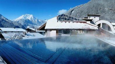 Pool_Winter_01