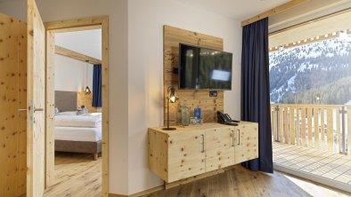 hotel_zirbenhof_hochfuegen_panoramamountainsuite 2