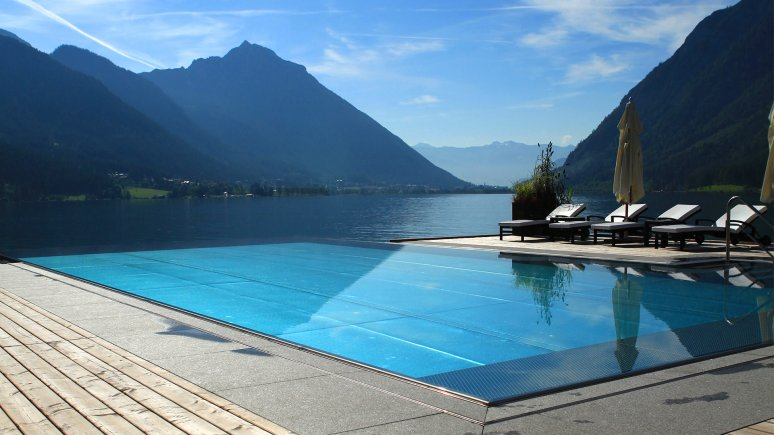 Pool at the Hotel Entners am See