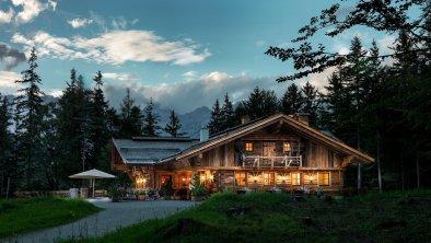 Die Interalpen-Alm bei Nacht, © Interalpen-Hotel Tyrol