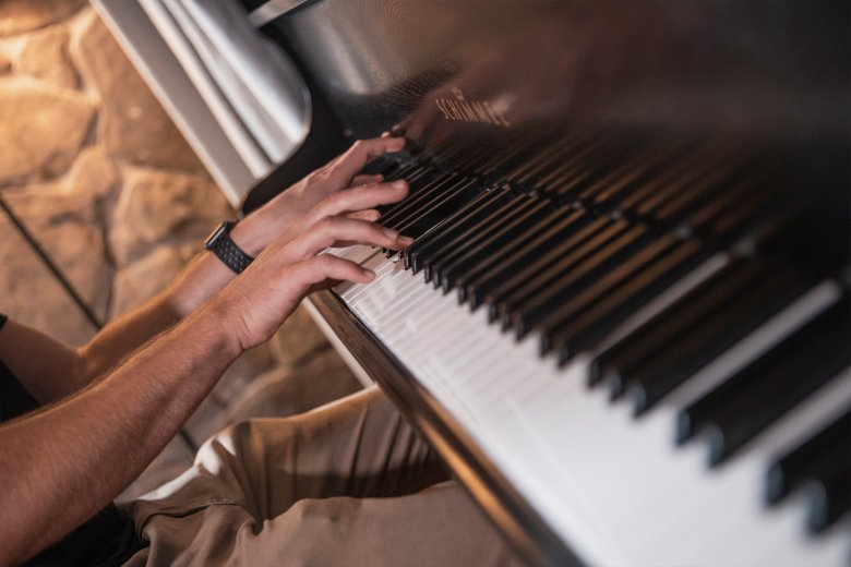 Many of Aron's melodies are first created on the piano before being developed further on the computer.