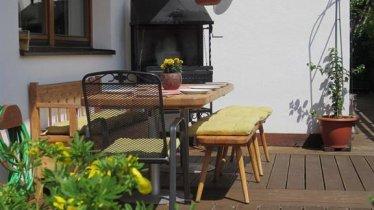 Unsere Terrasse mit Grill