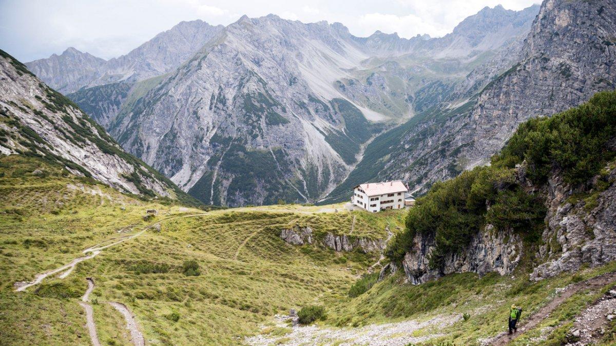 The Eagle Walk leads through the Lechtal Alps, © Tirol Werbung