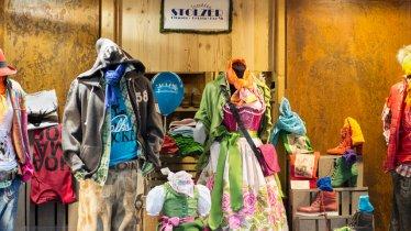 Trachten Stolzer, © Tirol Werbung/Lisa Hörterer