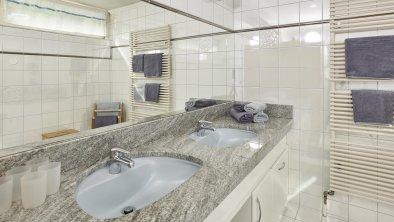 Badezimmer Appartement Weißkugel