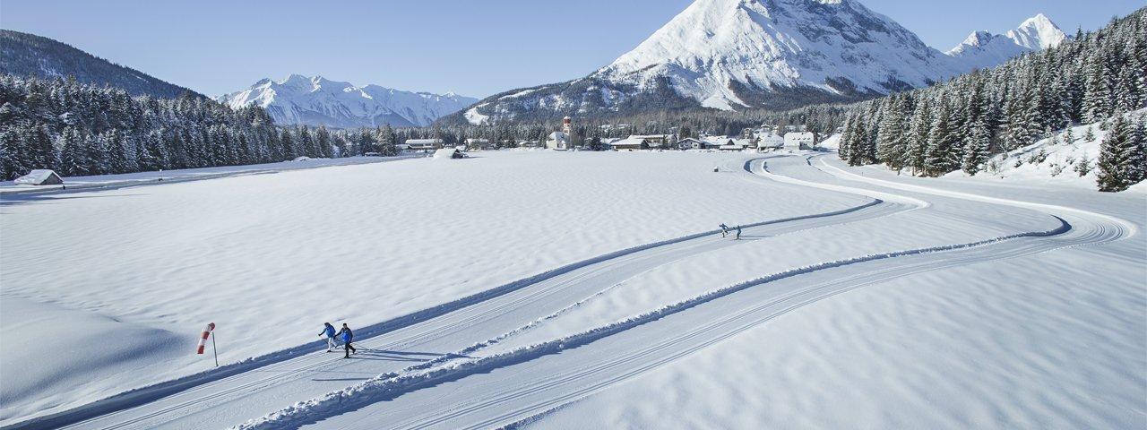 Cross-country skiing on the Kaiser Max Loop, © Olympiaregion Seefeld/Stephan Elsler