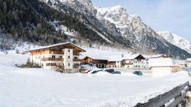 Haus Bergheimat und Alfaierhof im Winter