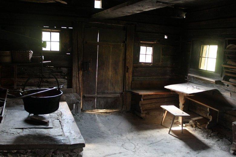 Old kitchen at Gwiggen Hof, Wildschönau, dating back to the year 1625.