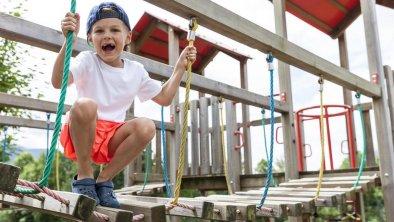 Kletterturm am Kinderspielplatz