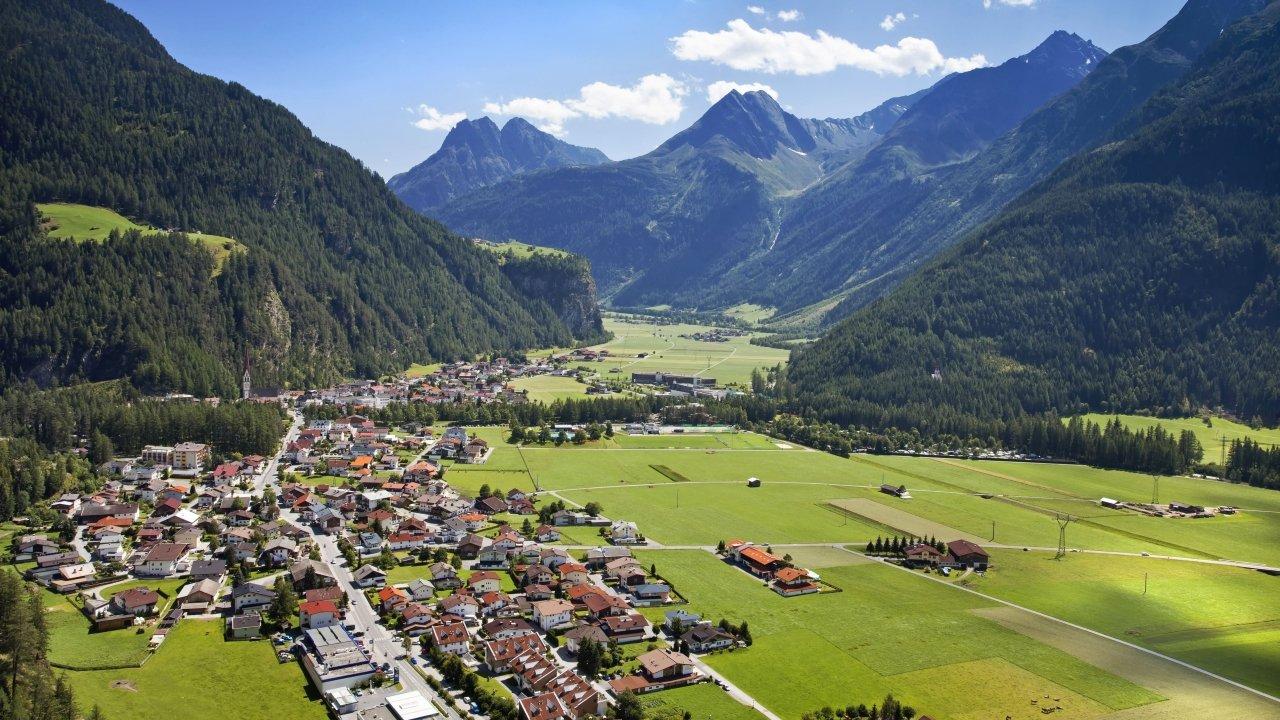 Längenfeld in summer, © Ötztal Tourismus/Lukas Ennemoser