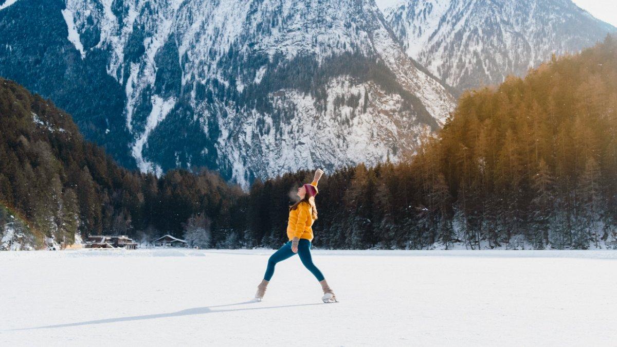 Ice skating on the Piburgersee lake, © Ramon Haindl