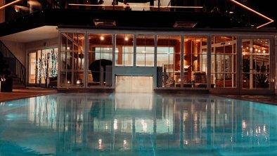 Pool-Nacht-bearbeitet-1 jpg