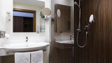 Bad mit Dusche, © Hotel Kapeller Betriebsges. m. b. H