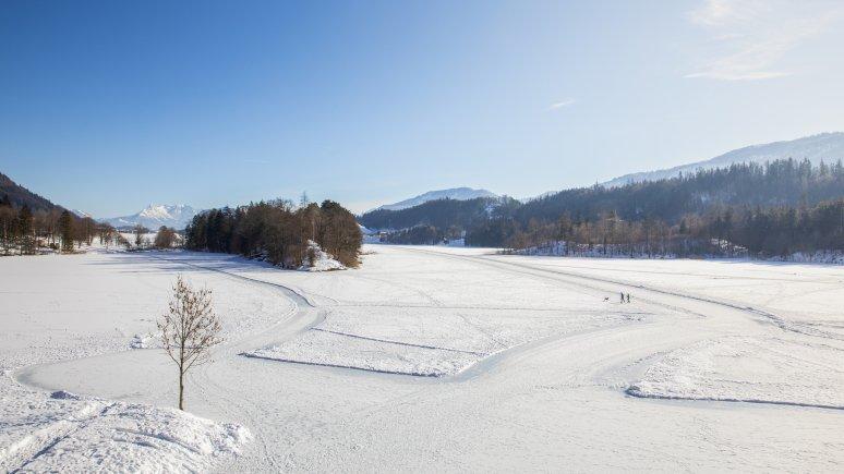 Ice skating on the Reintalersee lake