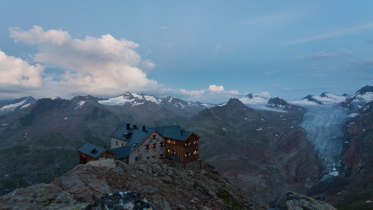 Ramolhaus hut in the Ötztal Alps, © Tirol Werbung/W9 STUDIOS