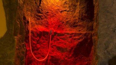 Fesen – Grotte - Dusche