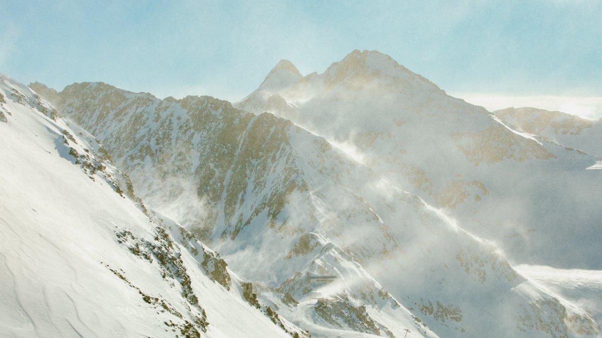 Wind on the Stubai Glacier, © Ramon Haindl