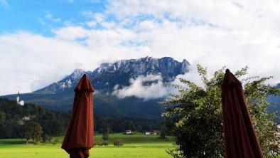 Aussicht Terrasse - Bergblick, © www.kaiserhotel.at