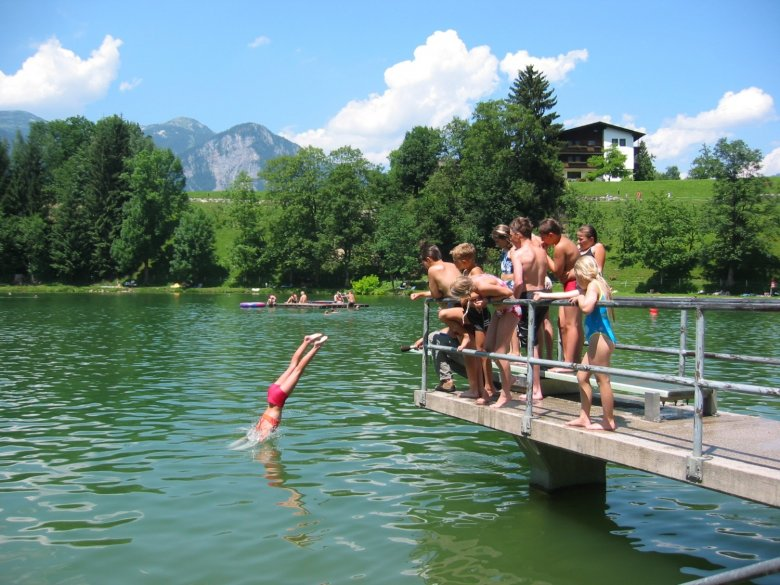 An idyllic and small lake to cool down in the summer. (Photo Credit: TVB Alpbachtal)