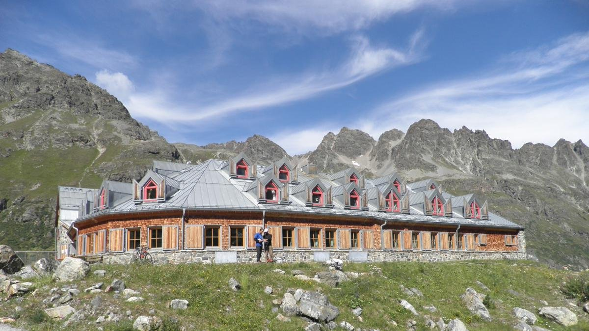 Constructed over 90 years ago, the Jamtalhütte served as a base for Ernest Hemingway during his long ski tours in the Silvretta region. It is today a training centre run by the German Alpine Club and, unlike in the 1920s, is equipped with all mod cons for a comfortable stay., © Jamtalhütte