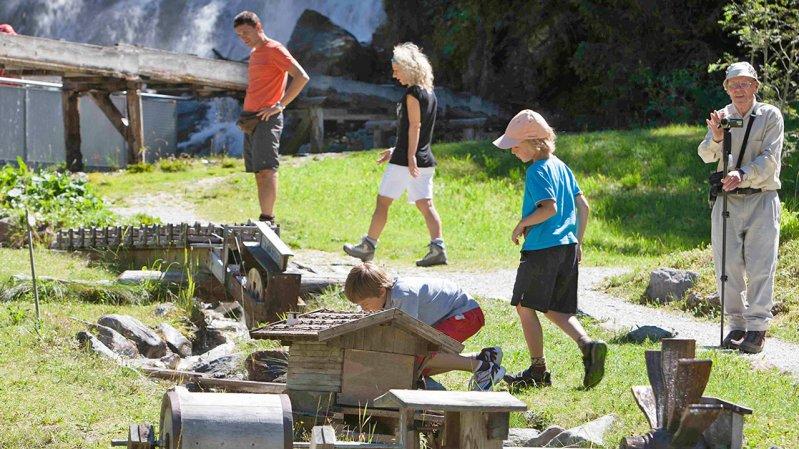 Playground at Sandes Waterfall, © Bernhard Lehn