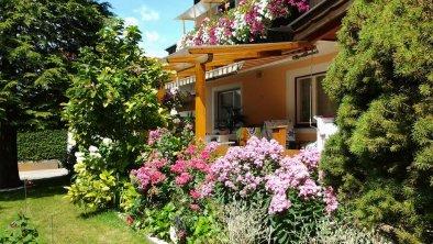 Ferienwohnung Lisa Ebbs  Haus mit Garten