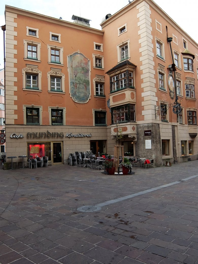 You'll find the Café Munding in a quieter side lane of the Old Town.