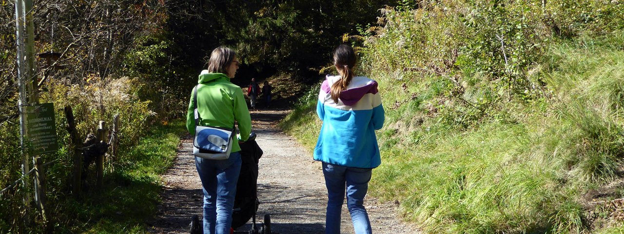 Buggy-friendly walk around the Lanser See lake, © Tirol Werbung