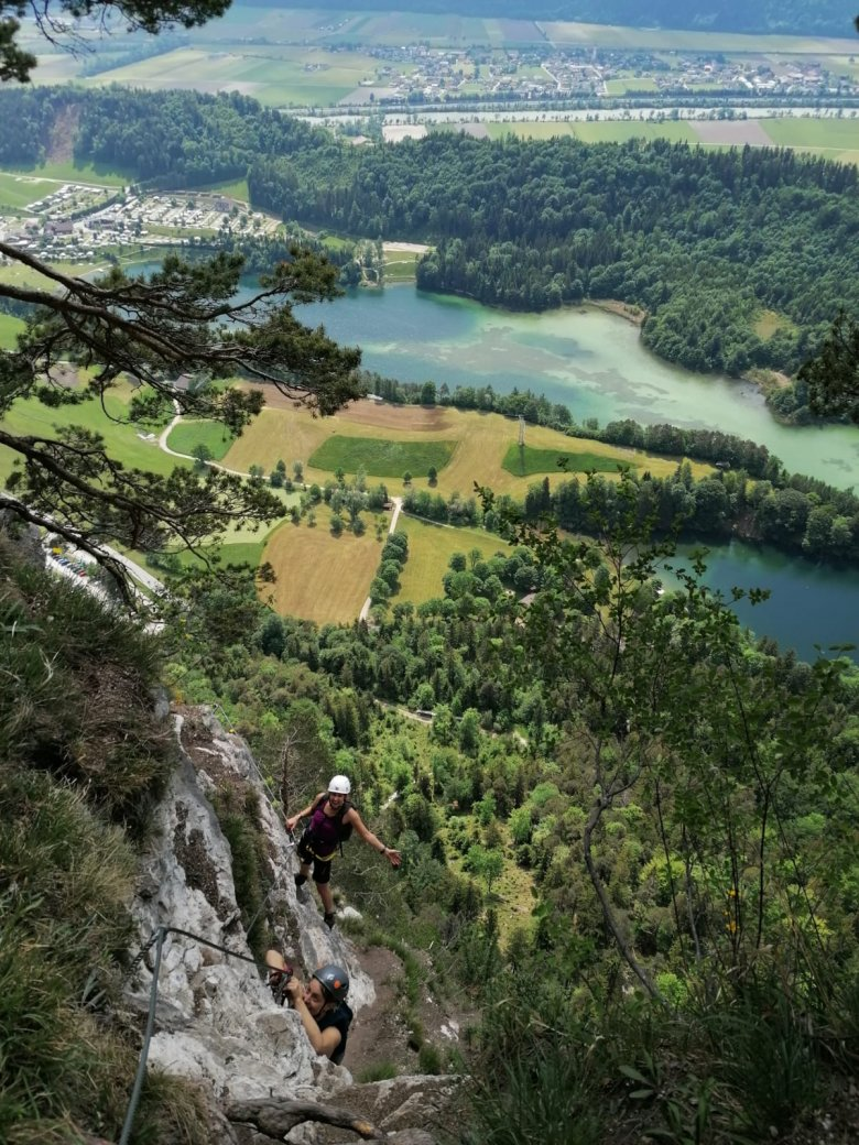 Climbing with the Reintalersee lake in the background. Photos: Denise Krug